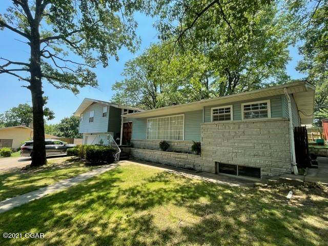 411 Crestwood Drive, Neosho, MO 64850 (MLS #212901) :: Davidson Group