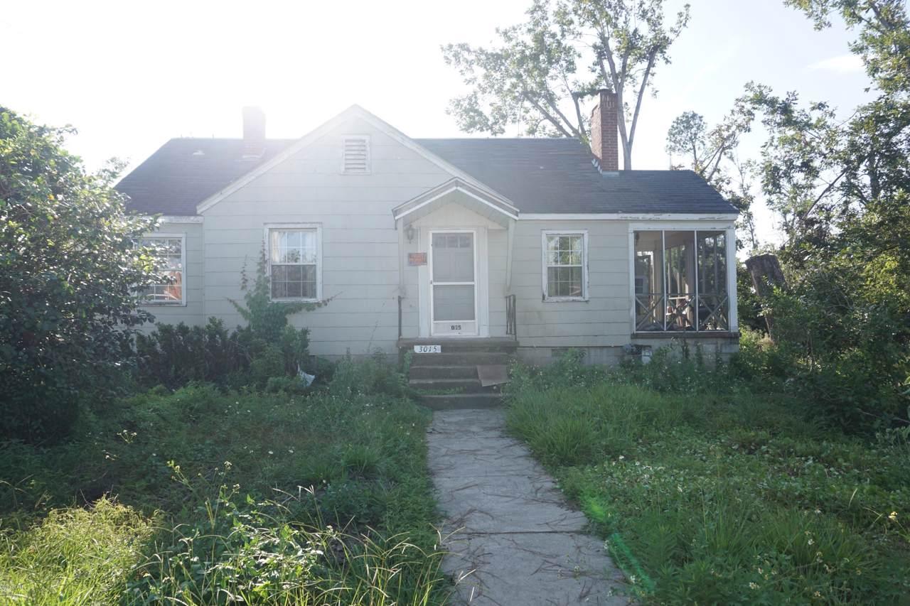 3015 6th Street - Photo 1