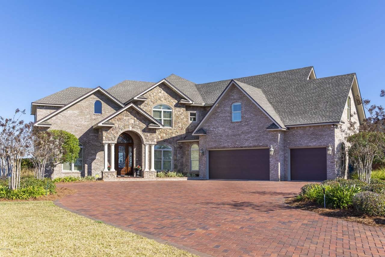 1634 Country Club Drive - Photo 1