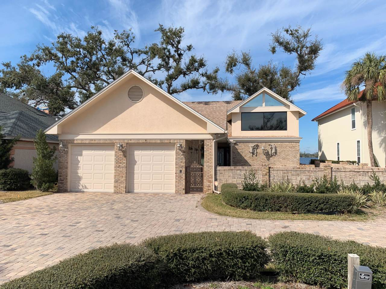 1420 Country Club Drive - Photo 1