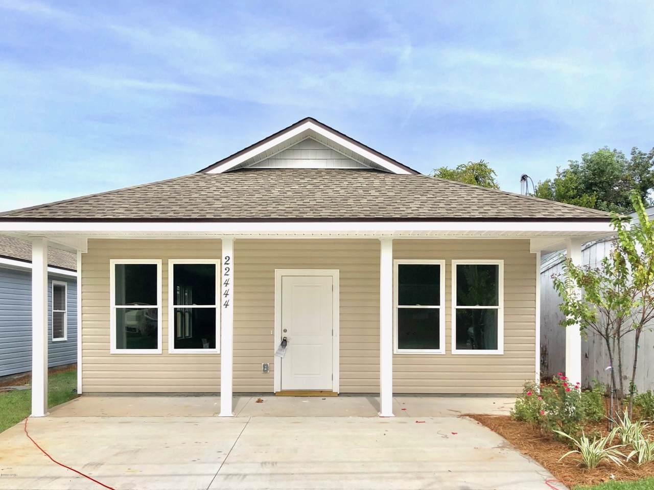 22444 Lakeview Drive - Photo 1