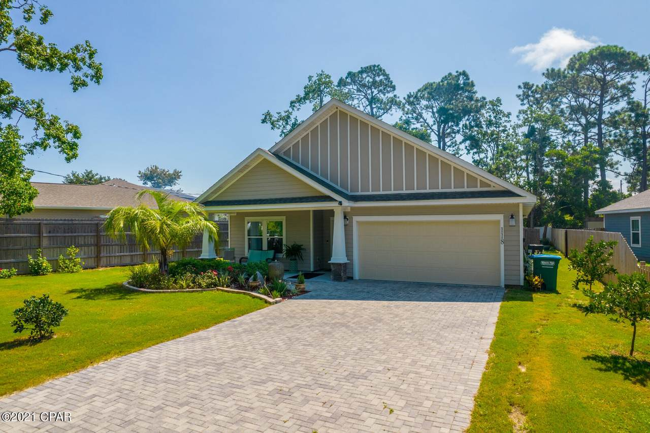 118 Coral Drive - Photo 1
