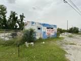 2823 East Avenue - Photo 2