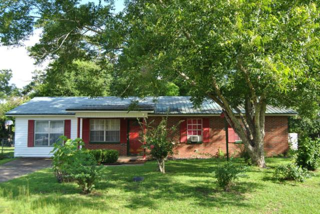 5489 Pelham Court, Graceville, FL 32440 (MLS #676425) :: Berkshire Hathaway HomeServices Beach Properties of Florida