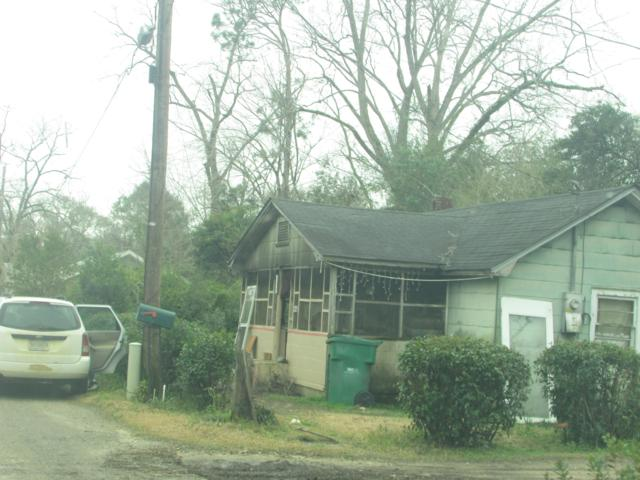 987 Hope Avenue, Graceville, FL 32440 (MLS #680455) :: Keller Williams Emerald Coast