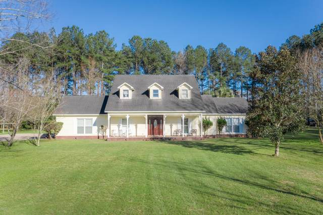 4856 Monday Rd Road, Graceville, FL 32440 (MLS #694526) :: ResortQuest Real Estate