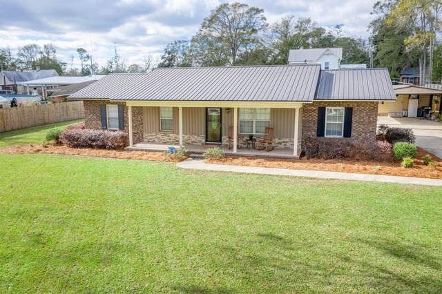 720 7th Street, Chipley, FL 32428 (MLS #705137) :: Scenic Sotheby's International Realty