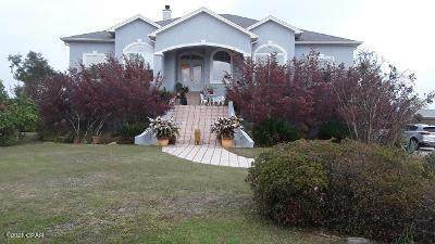 7616 Glen Cove Lane, Southport, FL 32409 (MLS #713910) :: Scenic Sotheby's International Realty