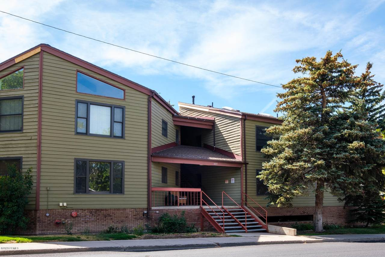 1435 Park Ave - Photo 1