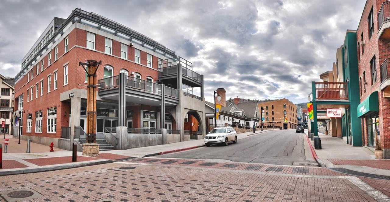 692 Main Street - Photo 1