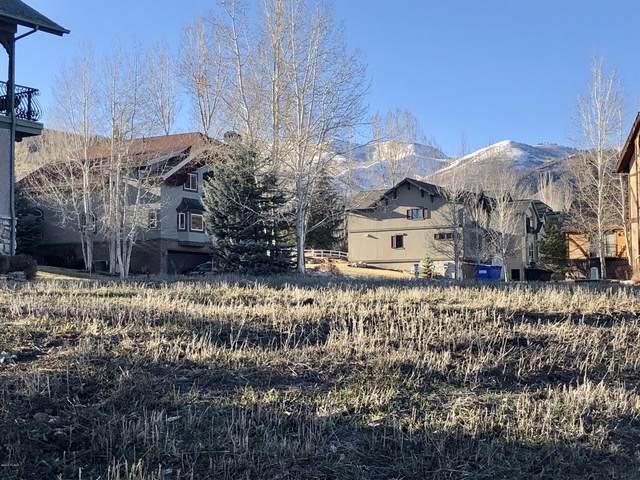 1056 Warm Springs Road, Midway, UT 84049 (MLS #12000829) :: Lawson Real Estate Team - Engel & Völkers