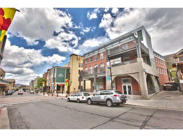 692 Main Street D, Park City, UT 84060 (MLS #11702967) :: High Country Properties