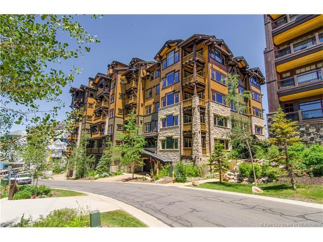 8902 Empire Club Drive #403, Park City, UT 84060 (MLS #11703071) :: High Country Properties