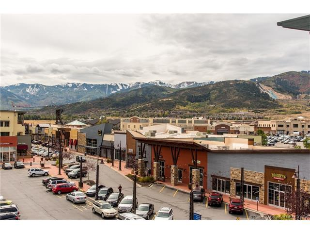 1456 W Newpark Blvd #417, Park City, UT 84098 (#11703989) :: Red Sign Team