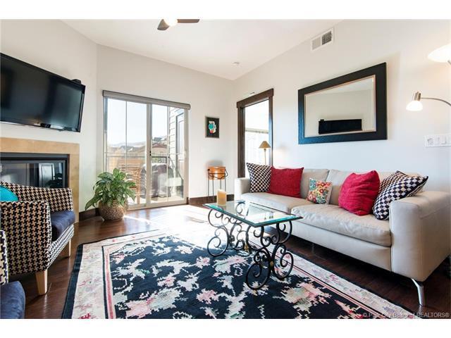 5461 N Luge Lane #2301, Park City, UT 84098 (MLS #11704237) :: High Country Properties