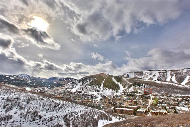 947 Northstar Drive, Park City, UT 84060 (MLS #11803015) :: High Country Properties