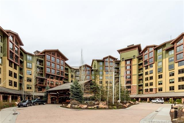 3855 N Grand Summit Drive #702, Park City, UT 84098 (#11803385) :: Red Sign Team