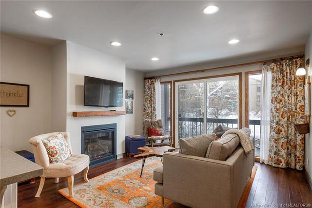 1525 Park Avenue #207, Park City, UT 84060 (MLS #11808437) :: High Country Properties