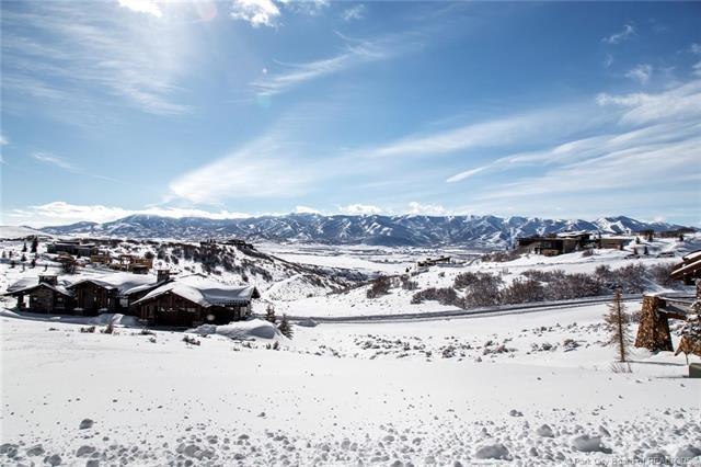 8883 N Mountain Crest Road, Park City, UT 84098 (MLS #11900244) :: High Country Properties
