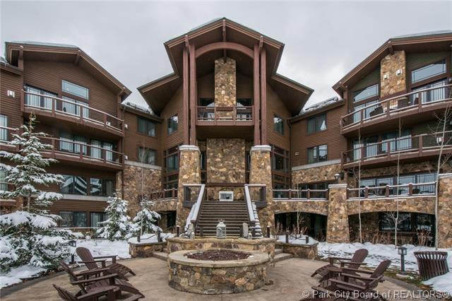 2100 W Frostwood Boulevard #6124, Park City, UT 84098 (MLS #11901620) :: High Country Properties
