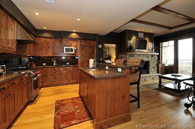 7715 Village Way #103, Park City, UT 84060 (MLS #11901640) :: Lawson Real Estate Team - Engel & Völkers
