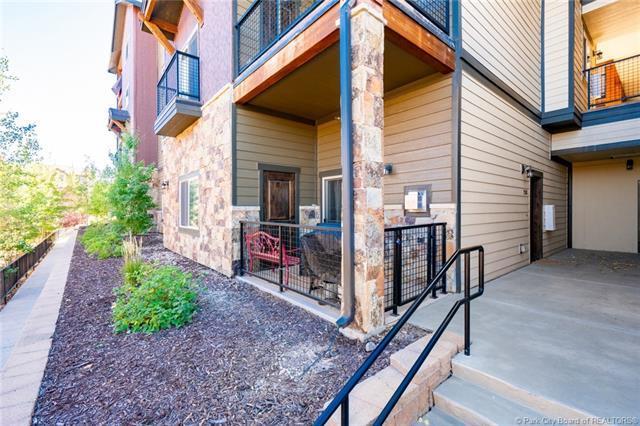 5461 N Luge Lane #2103, Park City, UT 84098 (MLS #11902058) :: High Country Properties