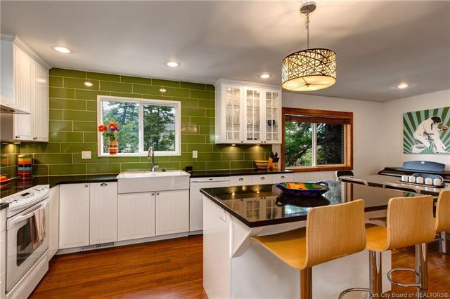 105 Parkview Terrace, Park City, UT 84098 (MLS #11904723) :: High Country Properties