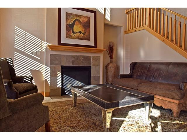 6127 Fox Pointe Circle A1, Park City, UT 84098 (MLS #11700454) :: High Country Properties