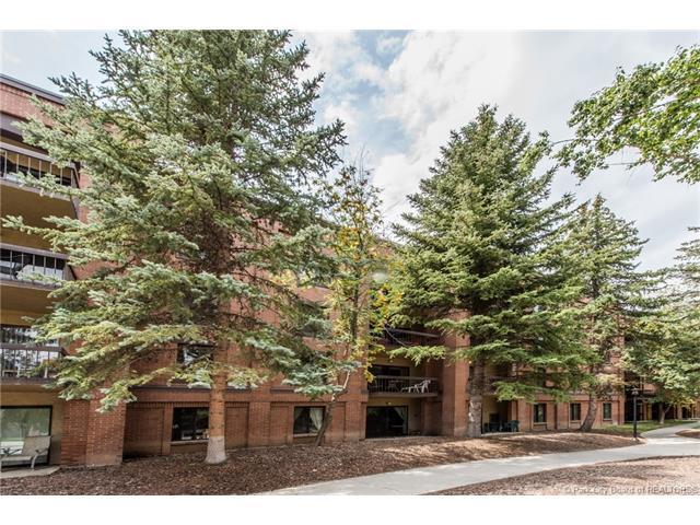 950 Park Avenue #216, Park City, UT 84060 (MLS #11703910) :: High Country Properties