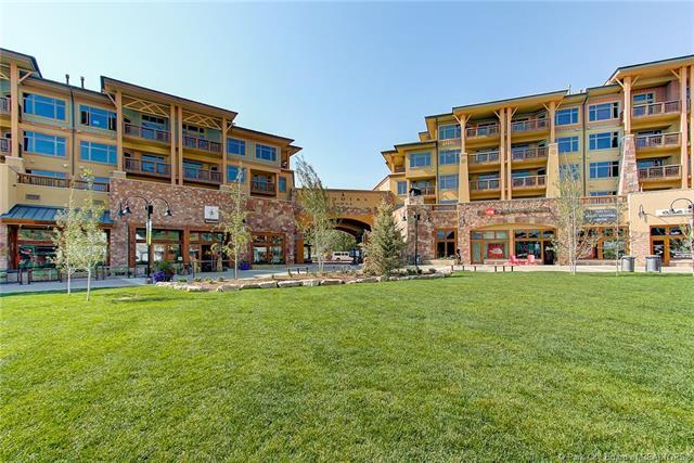 3720 N Sundial Court C401, Park City, UT 84098 (MLS #11805433) :: High Country Properties