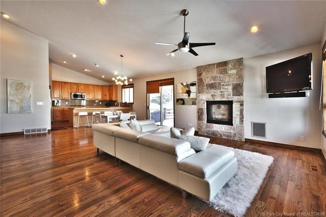 3903 W View Pointe Drive, Park City, UT 84098 (MLS #11900008) :: High Country Properties