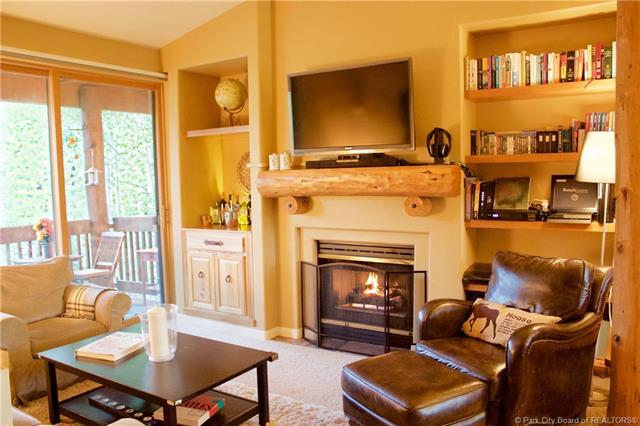 1600 Pinebrook Blvd E8, Park City, UT 84098 (MLS #11901494) :: Lawson Real Estate Team - Engel & Völkers