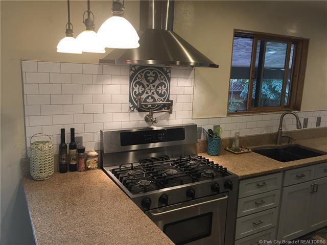 4855 E Meadows Drive, Park City, UT 84098 (MLS #11801509) :: Lookout Real Estate Group