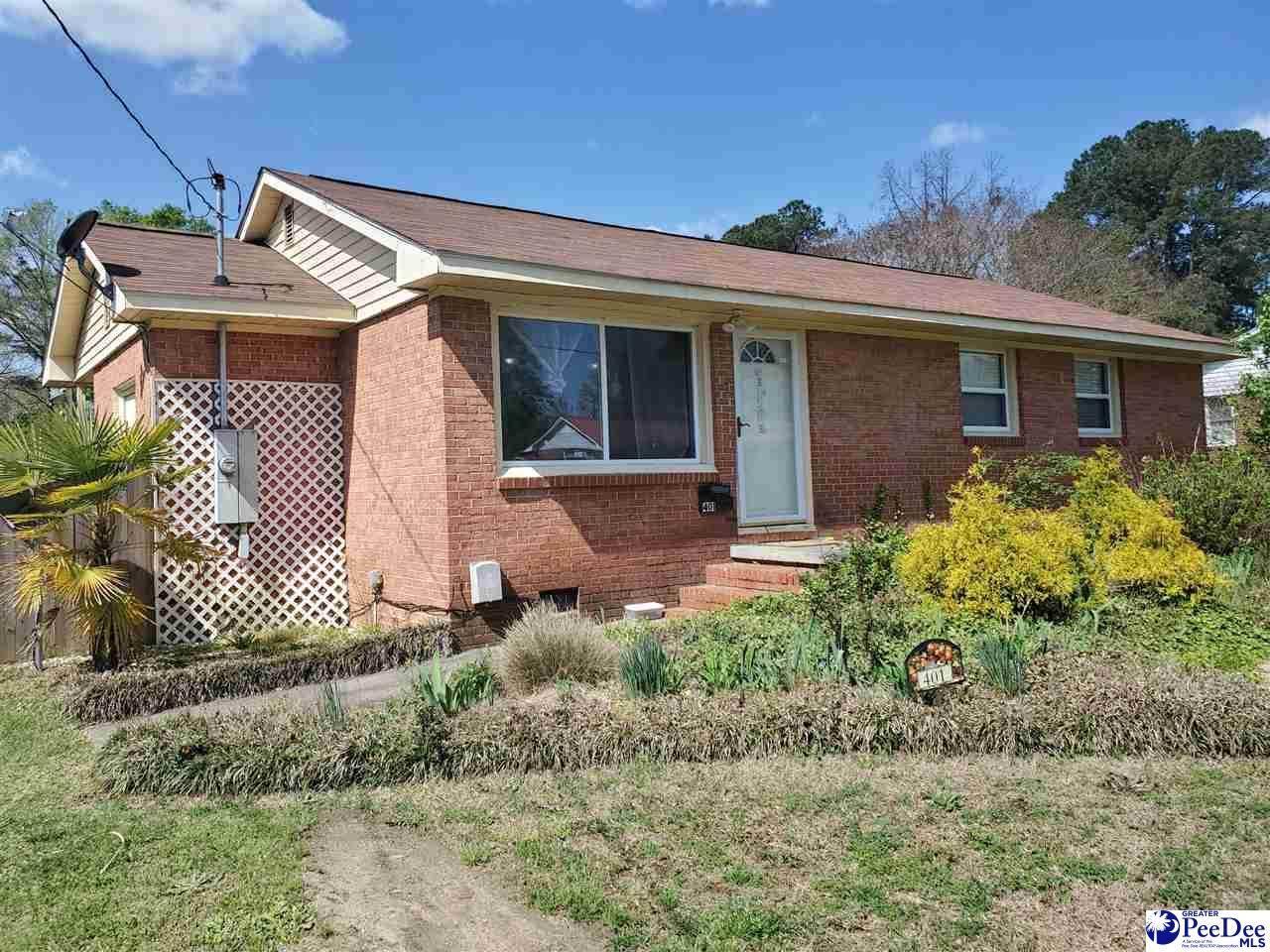401 Dogwood Circle - Photo 1