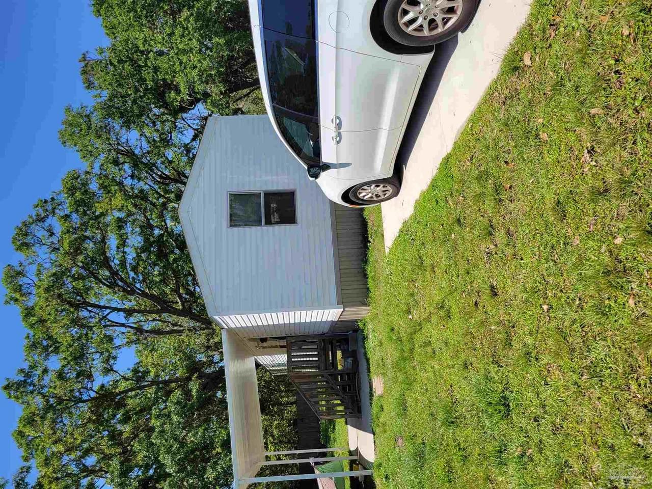 621 Calhoun Ave - Photo 1