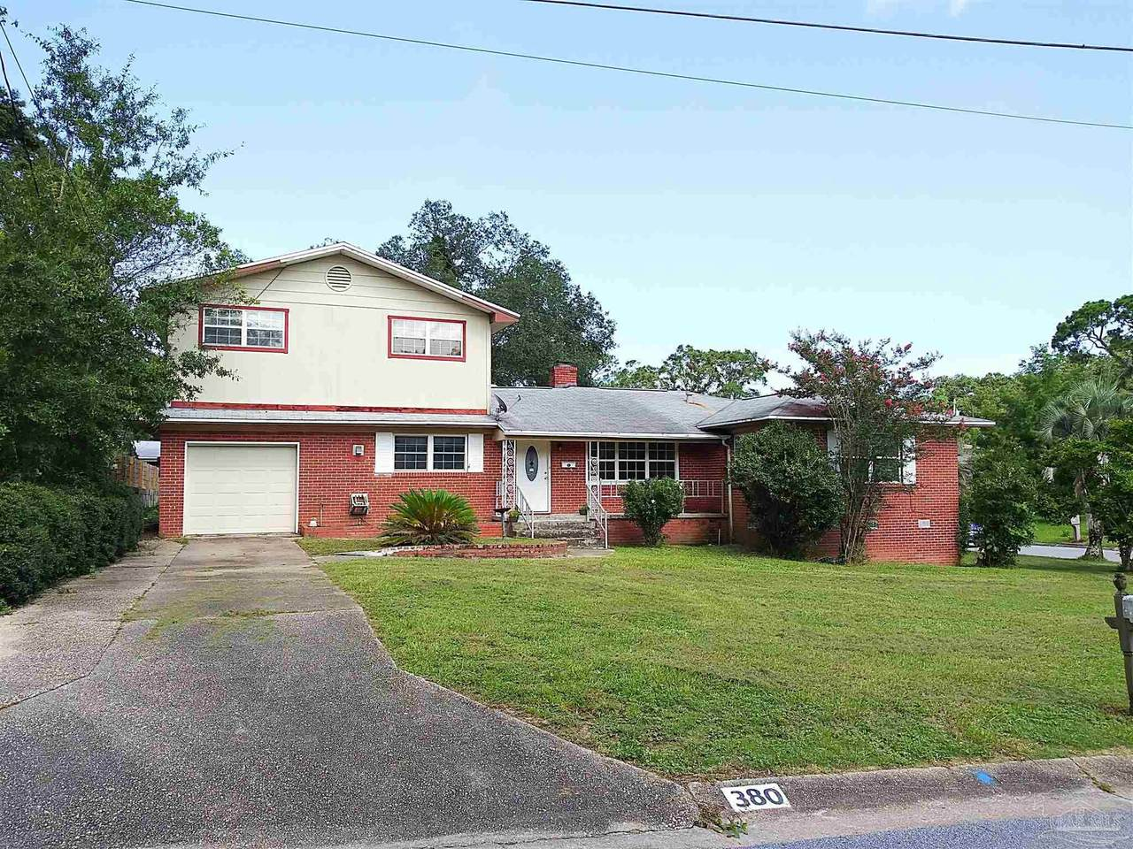 380 Clematis St - Photo 1