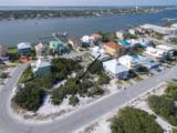330 Gulfview Ln - Photo 1