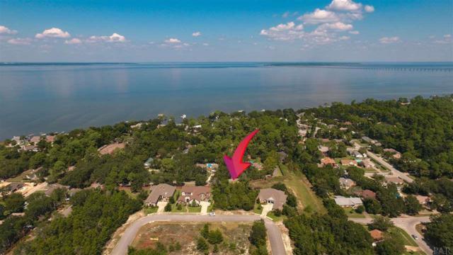 13A Manor Cir, Gulf Breeze, FL 32563 (MLS #524803) :: ResortQuest Real Estate