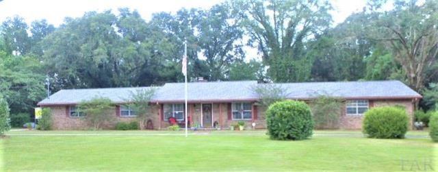 4535 Deerfield Dr, Pensacola, FL 32526 (MLS #521428) :: ResortQuest Real Estate