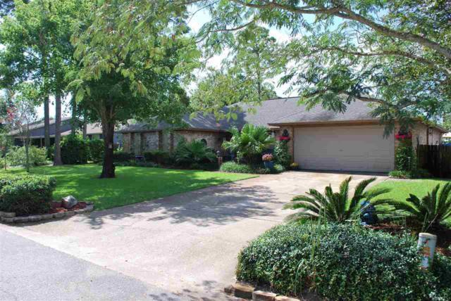 207 Williamsburg Dr, Gulf Breeze, FL 32561 (MLS #522850) :: Levin Rinke Realty