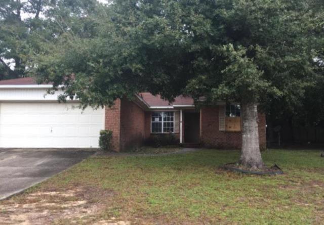 5740 Bronco Pl, Milton, FL 32570 (MLS #545164) :: ResortQuest Real Estate