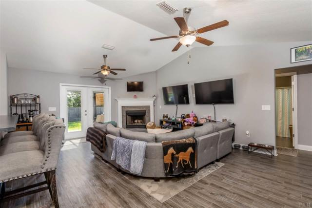 5614 Bellview Ct, Milton, FL 32583 (MLS #554204) :: ResortQuest Real Estate