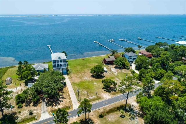 5247 Soundside Dr, Gulf Breeze, FL 32563 (MLS #555667) :: ResortQuest Real Estate
