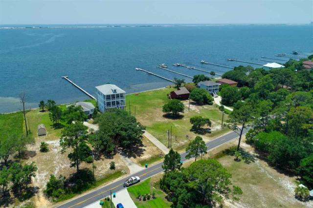 5251 Soundside Dr, Gulf Breeze, FL 32563 (MLS #555670) :: ResortQuest Real Estate