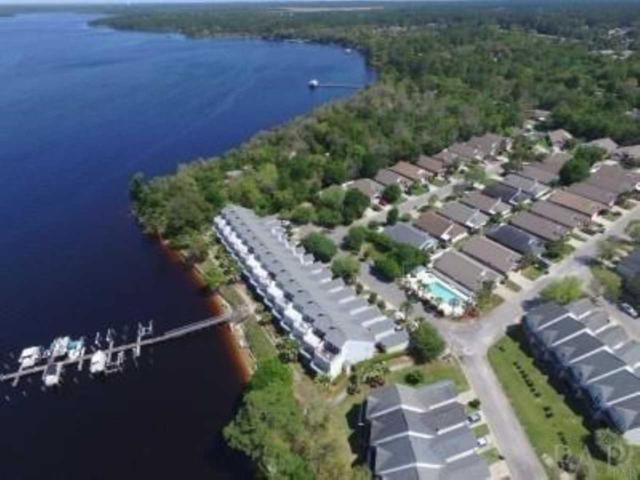7282 Jacobs Trl, Navarre, FL 32566 (MLS #556417) :: ResortQuest Real Estate