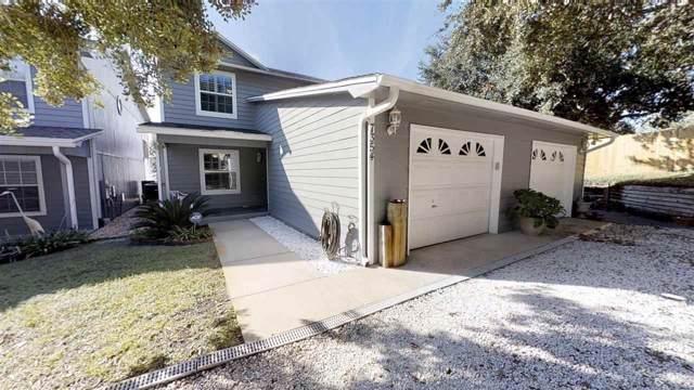 7354 Mulberry Ln, Navarre, FL 32566 (MLS #563160) :: Levin Rinke Realty