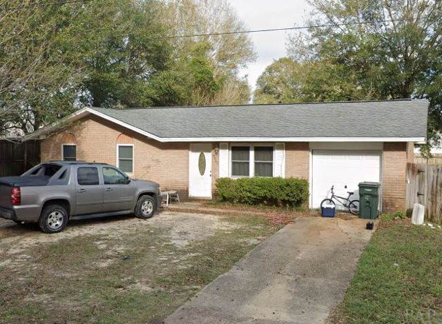 4469 Pine Villa Cir, Pace, FL 32571 (MLS #566566) :: Levin Rinke Realty