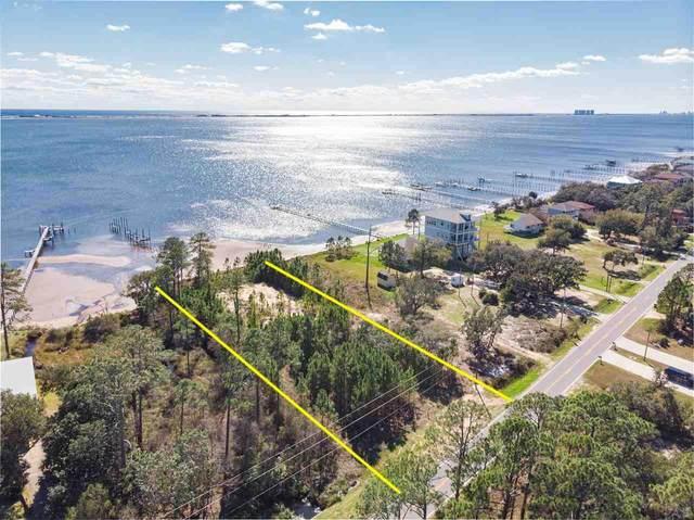 5275 Soundside Dr, Gulf Breeze, FL 32563 (MLS #568268) :: Coldwell Banker Coastal Realty