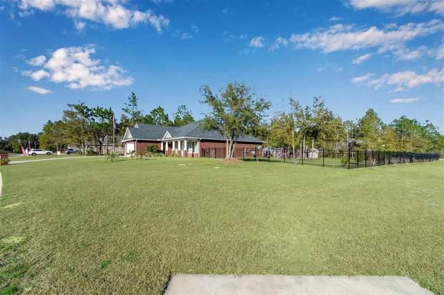 4982 Red Oak Dr, Milton, FL 32583 (MLS #570055) :: Levin Rinke Realty