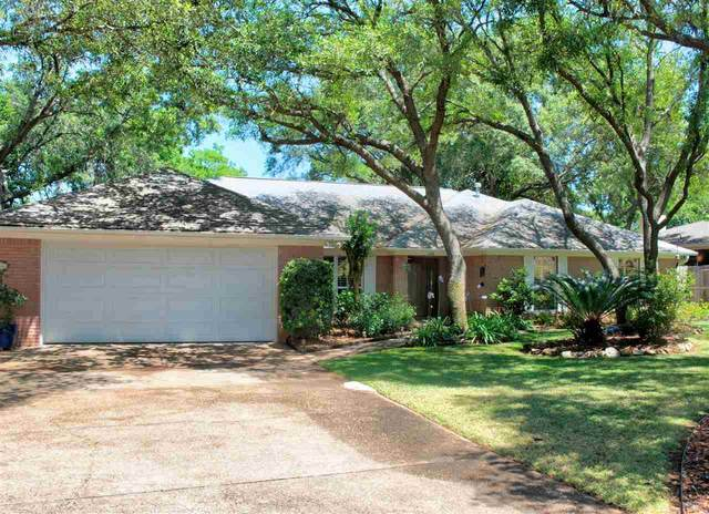 416 Shoreline Dr, Gulf Breeze, FL 32561 (MLS #571775) :: Levin Rinke Realty